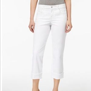 Style & Co white jean Capri pants